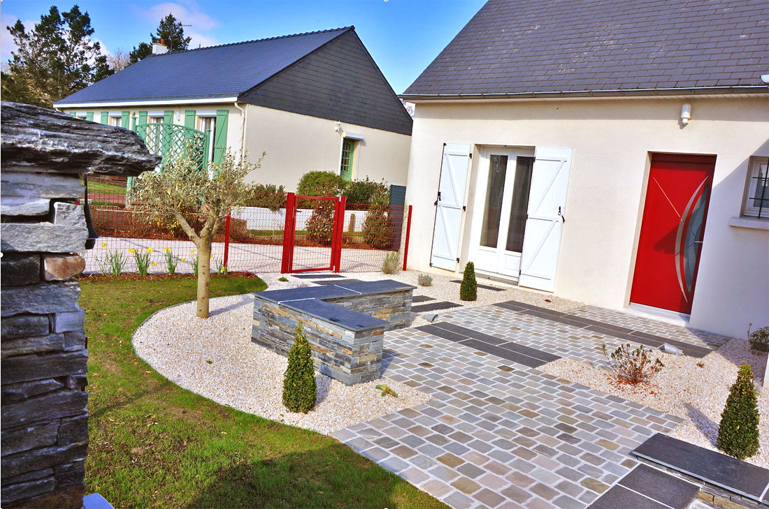 Am nagement en fa ade mercier paysage paysagiste - Idee amenagement jardin devant maison ...